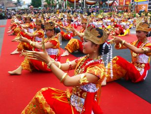 Tari Sigeh Pengunten, Tradisi Penyambutan Tamu Agung ala Lampung