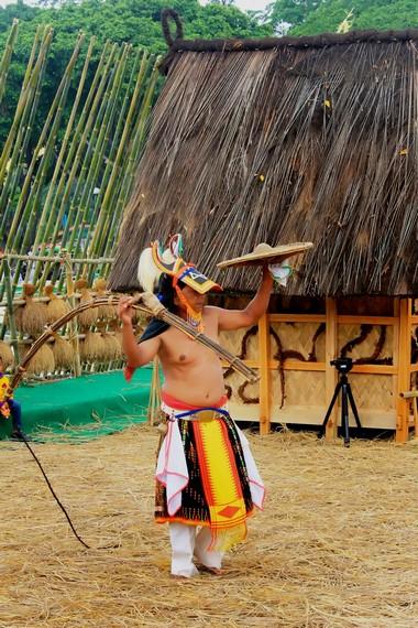 Tari caci berasal dari Desa Todo, Kecamatan Satarmesa, Kabupaten Manggarai, Nusa Tenggara Timur