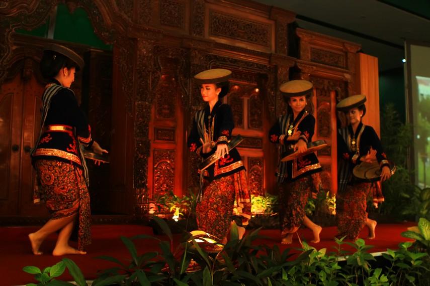 Tari kretek salah satu kesenian yang menjadi ciri khas Kota Kudus