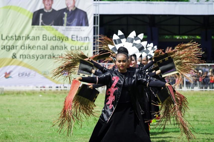 Tema festival setiap tahunnya berubah-ubah
