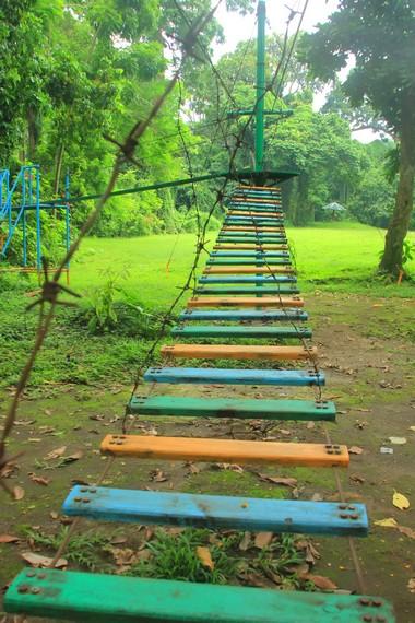 Terdapat wahana outdoor yang dapat dinikmati oleh para pengunjung
