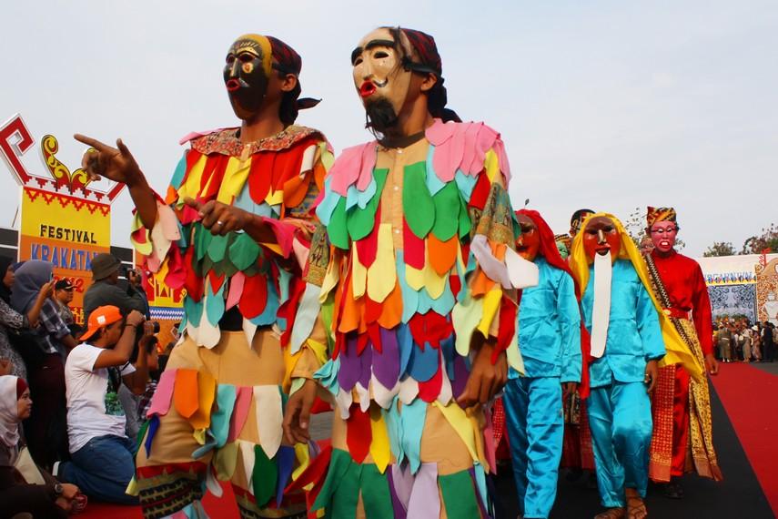 Tradisi topeng sekura berkembang di pesisir barat Lampung