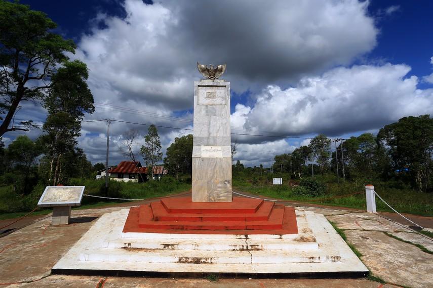Tugu Kembaran yang hanya terdapat di Merauke, Papua dan Sabang, Aceh