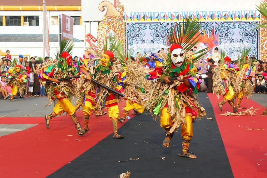 Tupping dalam budaya Lampung saat ini merupakan sebuah drama tari kepahlawanan