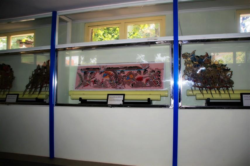 Wayang Beber Gaya Surakarta yang terdapat disalah satu sudut museum