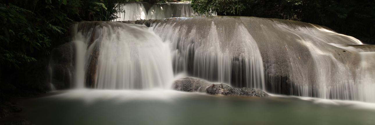 Perjalanan Menuju Air Terjun Cantik Lumoli Indonesia Kaya