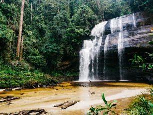 Riam Dait, Air Terjun Cantik 7 Tingkat Di Ujung Utara Kalimantan Barat