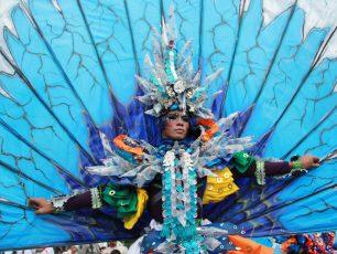 Meriahnya Karnaval di Belitung Beach Festival
