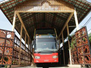 Menikmati Setiap Sisi Kota Solo dengan Bus Wisata Werkudara