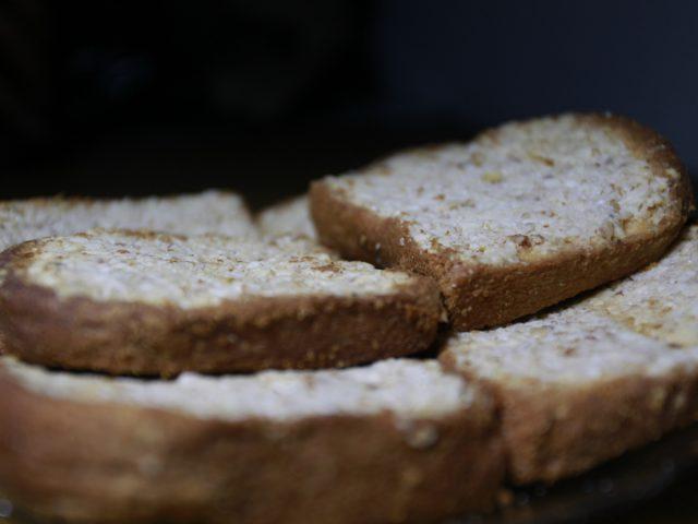 Biskuit Kenari: Kerenyahan Dalam Balutan Manisnya Ternate