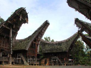 Menyambangi Tongkonan Tertua di Tana Toraja