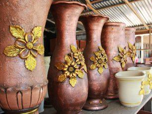Mengagumi Cantiknya Keramik Desa Pulutan