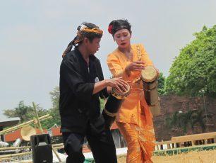 Dogdog Lojor, Instrumen Musik Tabuh Khas Banten