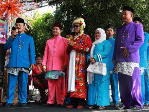 Melihat Lebih Dekat Tradisi Palang Pintu di Festival Palang Pintu