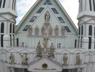 Keselarasan Umat Manusia Pada Gereja Katedral Ambon