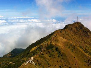 Menikmati Keindahan Surgawi Indonesia di Gunung Merbabu