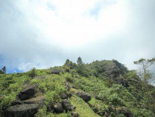 Menyaksikan Lanskap Toraja di Atas Ketinggian Gunung Sesean