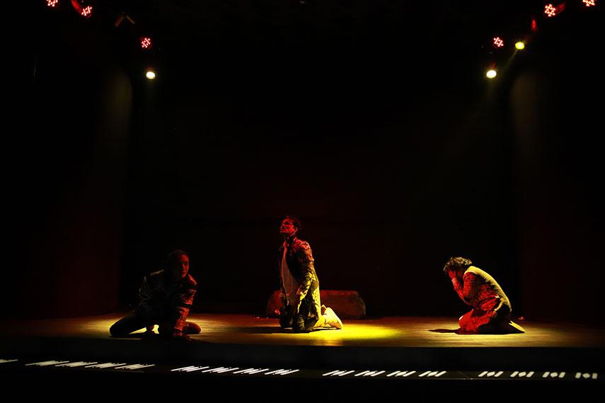 Padneçwara mempersembahkan lakon berjudul Dewabrata
