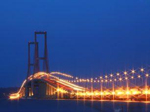 Suramadu, Jembatan Terpanjang Kebanggaan Indonesia