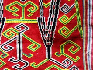Keindahan Aneka Kain Tenun Tradisional Suku Dayak Iban