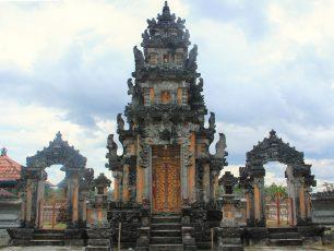 Merasakan Nuansa Bali di Kampung Bali Belitung