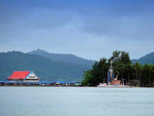 Menelusuri Asal Usul Penduduk Jayapura di Kampung Enggros Dan Pulau Debi