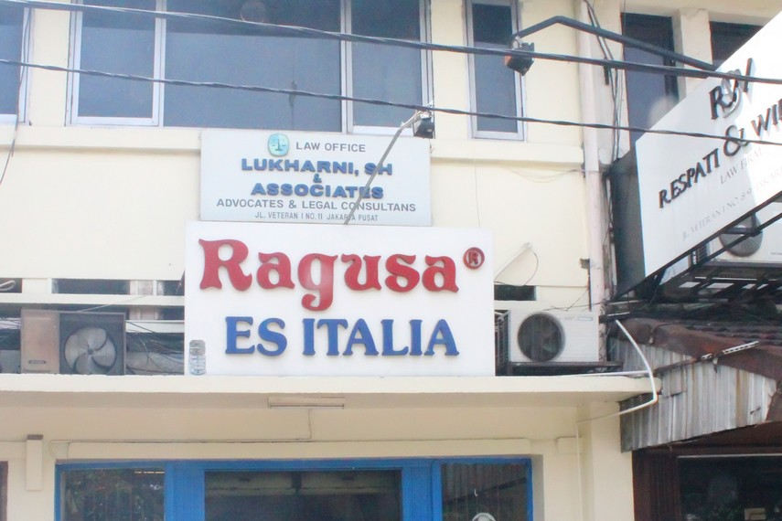 Kedai Es Krim Ragusa di Jalan Veteran I No 10