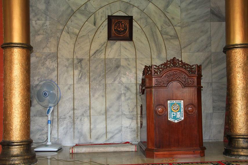 Masjid Cheng Hoo Surabaya mempunyai ukuran 11x11, yang diambil dari ukuran ka‰Ûªbah ketika pertama kali dibangun oleh Nabi Ibrahim