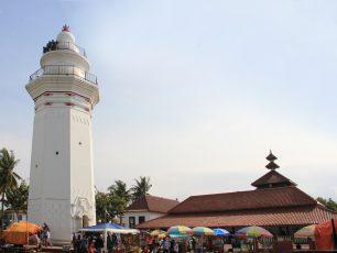 Perpaduan Arsitektur Budaya di Masjid Agung Banten