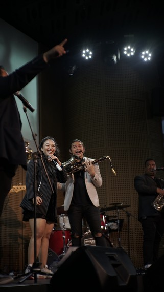 Muda  Mudi Indonesia oleh Saxx and the City feat. Nicky