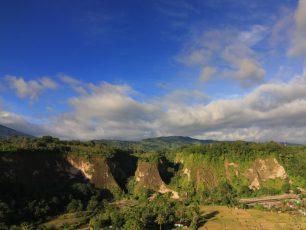 Panorama Ngarai Sianok, Mengagumi Pahatan Sang Pencipta di Bukittinggi