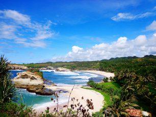 Pantai Klayar : Kekayaan Tersembunyi di Bumi Pacitan