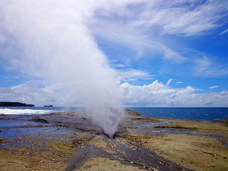 Seruling laut, sebuah fenomena unik di Pantai Klayar