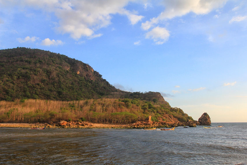 Pantai Puger juga dikenal dengan pantai yang memiliki kekayaan hasil laut