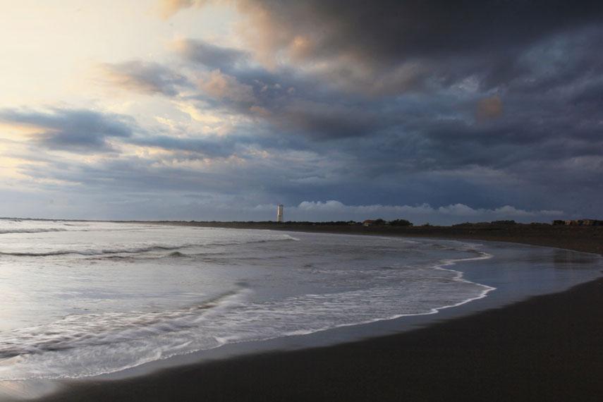 Satu yang unik dari pantai yang memiliki panjang sekitar 3 Km ini menjadi tempat diselenggarakannya ritual larung sesaji