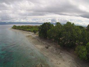 Sore Indah Di Pantai Tanjung Kuako