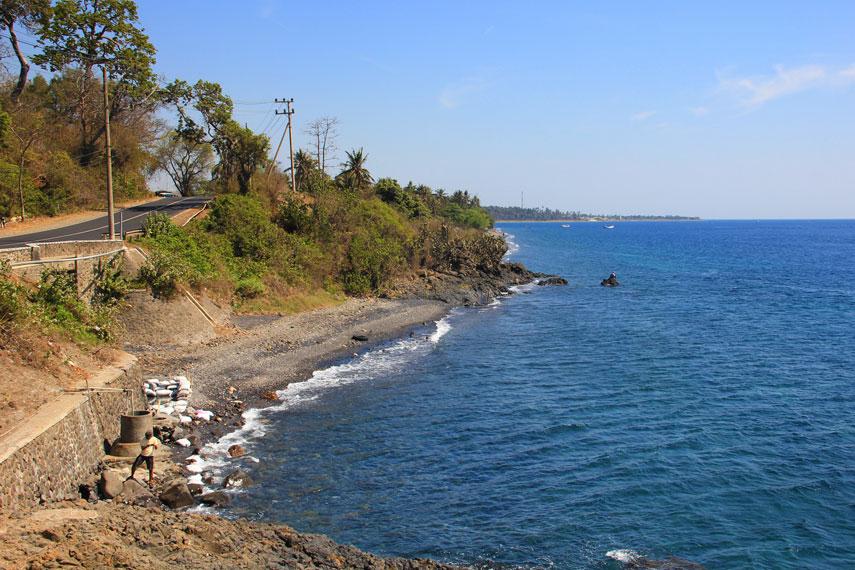 Nama Watu Dodol diambil dari batu karang besar yang berada tepat di pinggir pantai