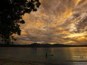 Pantai Harlem: Surga Tersembunyi Nan Cantik di Alam Papua