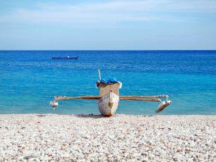 Keunikan Pantai Kolbano Dengan Bebatuan Kerikil Warna-Warninya