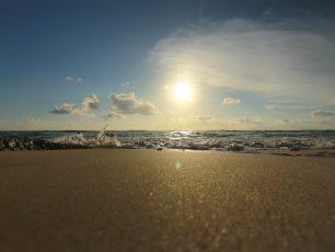 Pantai Padang-padang, Menguak Eksotisme Tersembunyi di Selatan Bali
