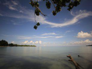 Pesona Ketenangan Pantai Sopapei