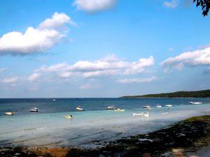 Pantai Eksotis di Selatan Makassar