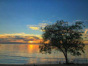 Pantai Tanjung Pendam, Pantai Indah di Pusat Kota Belitung