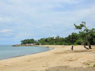 Pantai dengan Sudut Unik untuk Dijelajahi
