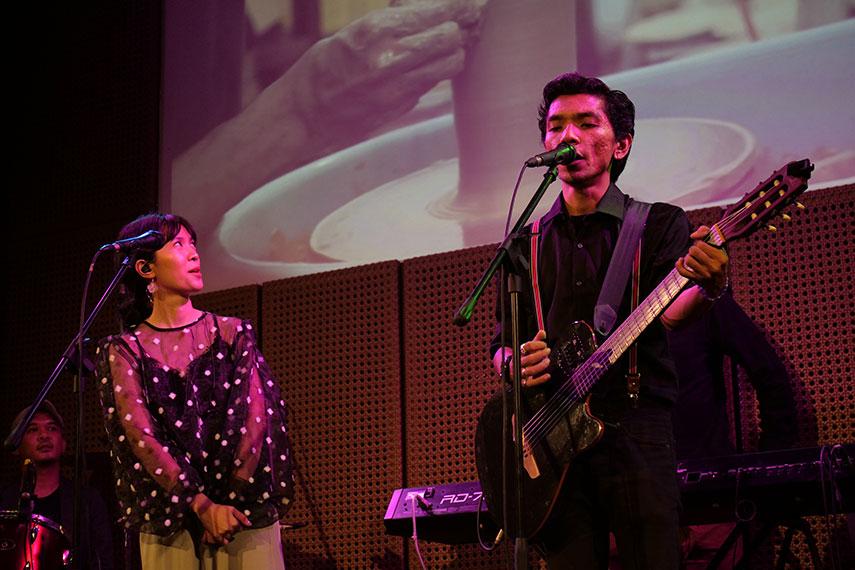 Teman Berteduh Intimate Show oleh Payung Teduh