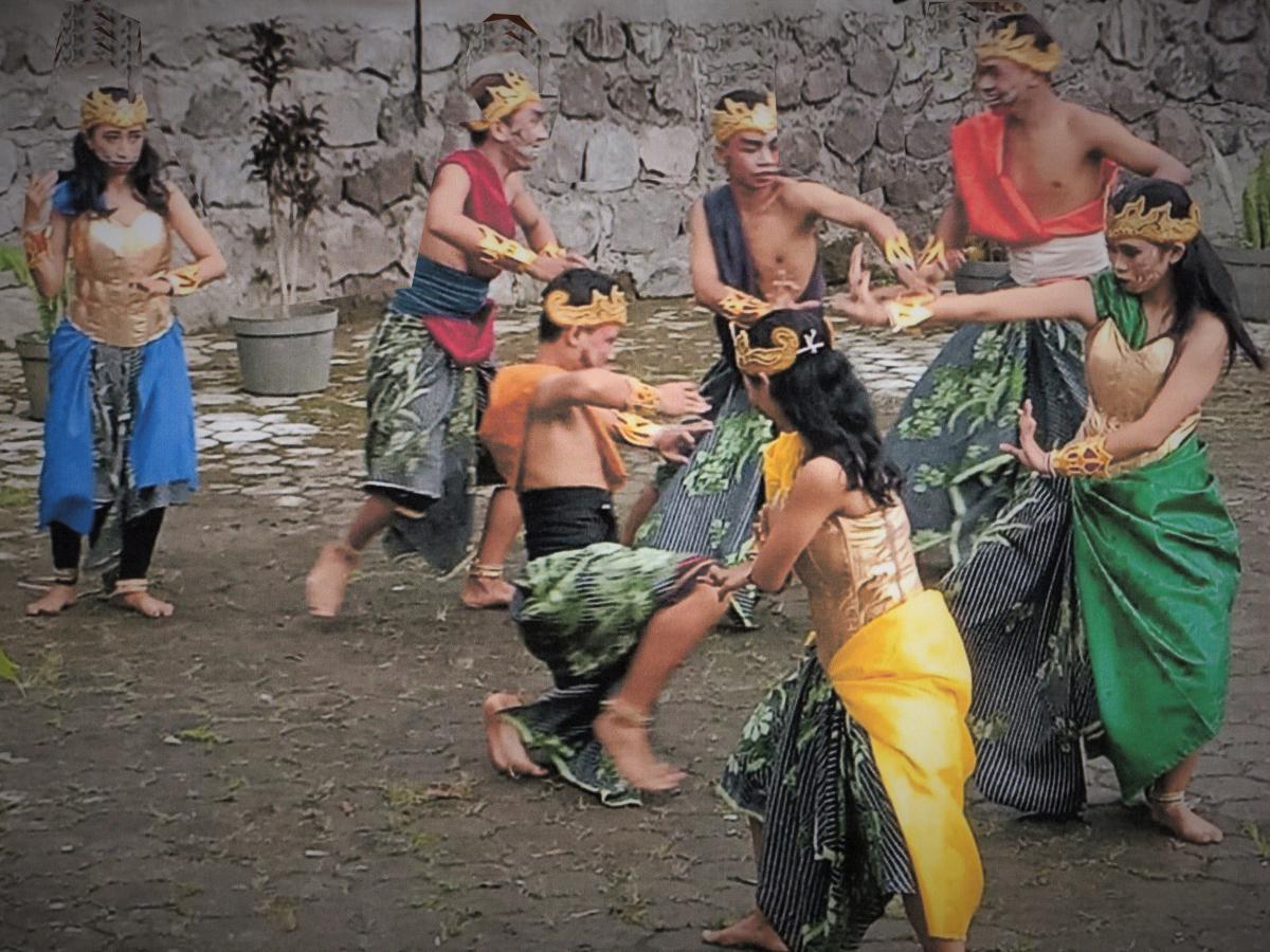 Pertunjukan Asmarandhana Untuk Indonesia Damai