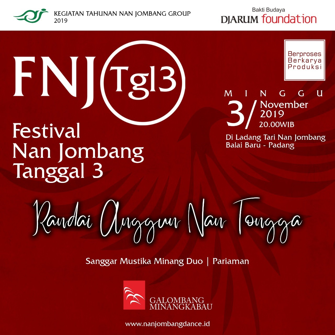 Pertunjukan Sanggar Mustika Minang Duo di Festival Nan Jombang