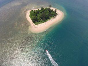 Keindahan Pulau Sapulea Yang Tidak Terlupakan
