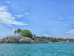 Menikmati Ketenangan di Pulau Babi