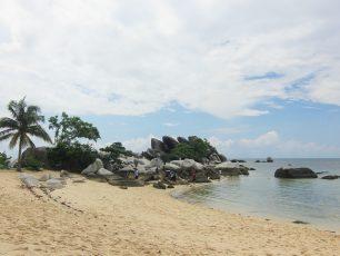 Keindahan Bawah Laut Pulau Lengkuas